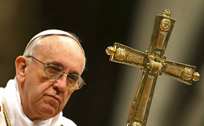 Pope Francis discusses Christians' problems with Iraqi PM