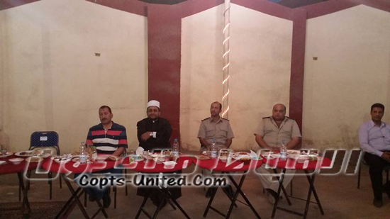 Christian and Islamic clergy in breakfast of the national unity in Beni Seuf