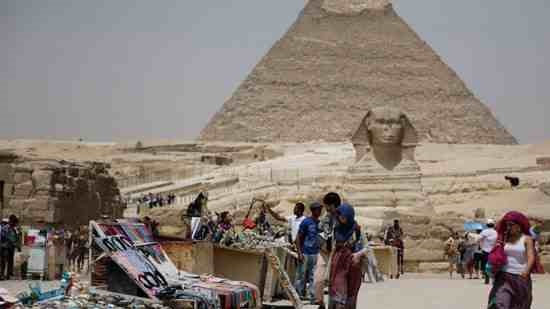 Egypt launches website to promote ailing tourism sector
