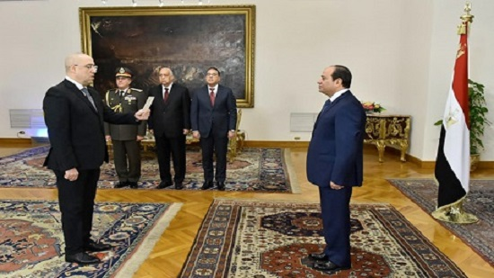 Asem El-Gazzar sworn-in as Egypts minister of housing and urban utilities