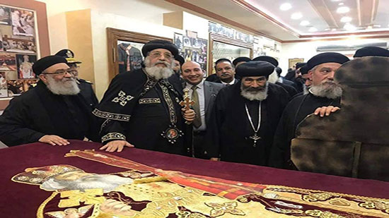 Pope Tawadros opens Pope Shenouda s Exhibition in Port Said