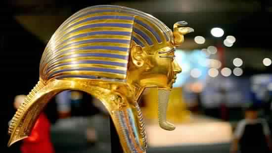 Egypt to take legal procedures against King Tut statue sellers
