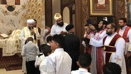 Bishop of Southern USA ordains new deacons in Tennessee