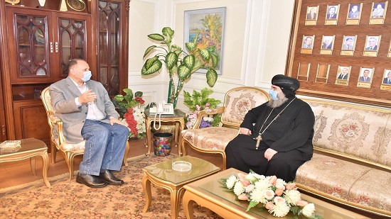 Governor of Assiut discusses completing path of the holy family