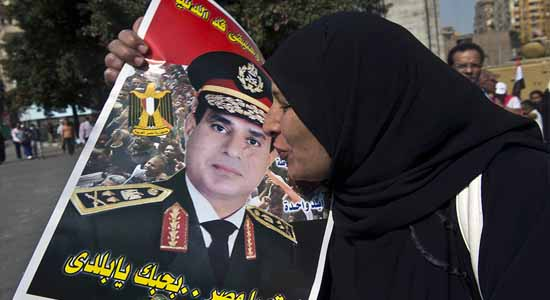 American writer: Egypt worship The military association!