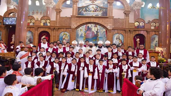 Bishop Hermina ordains new deacons in Alexandria
