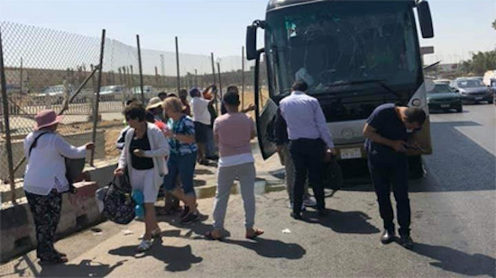 Explosion hits tourist bus in Egypts Giza