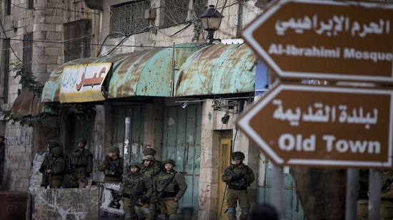 Israeli forces open fire, killing Palestinian throwing rocks