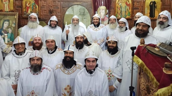 Archbishop of Fayoum ordains new monks