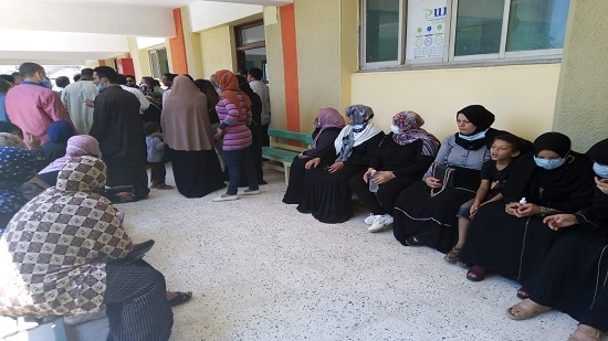 Voting polls is crowded in Egyptian villages