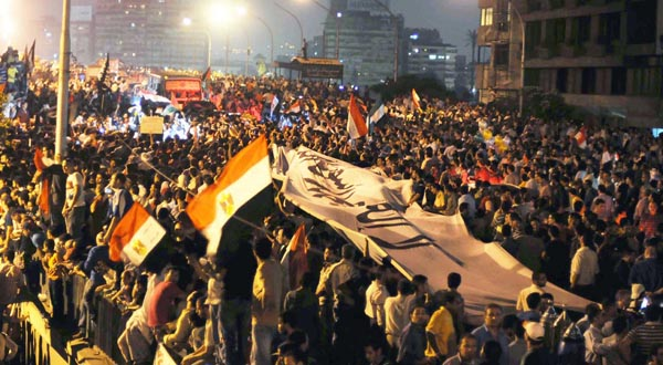 Egypt 'Spiderman' earns hero status with Israel flag protest
